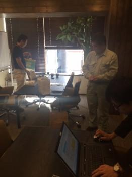 木目調の会議室