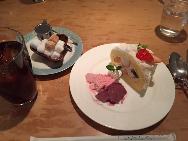 アイスコーヒーとイチゴショートケーキセット
